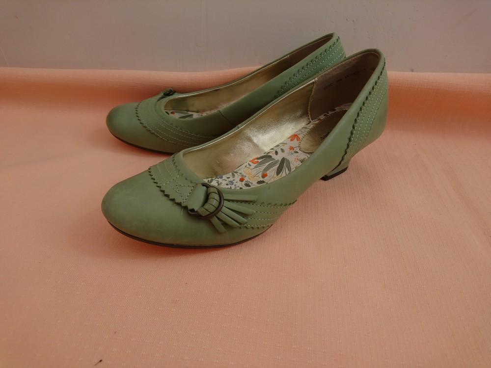 Туфли зелёные на маленьком каблуке размер 38 фото №4