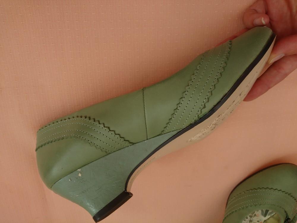 Туфли зелёные на маленьком каблуке размер 38 фото №6