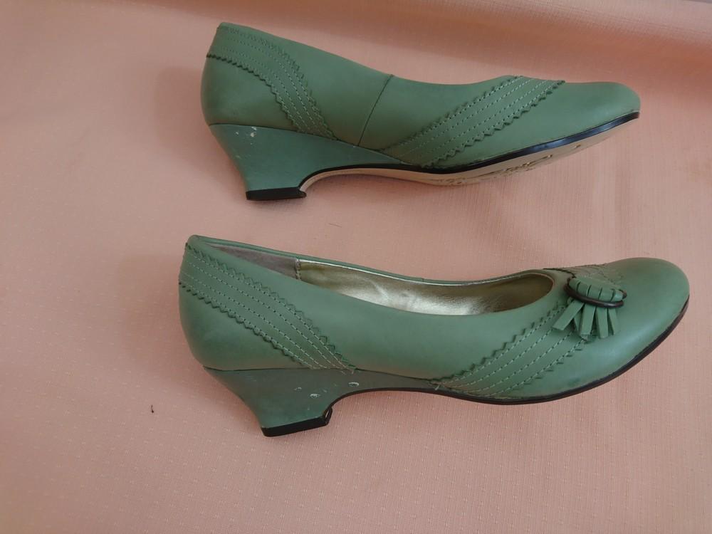 Туфли зелёные на маленьком каблуке размер 38 фото №7