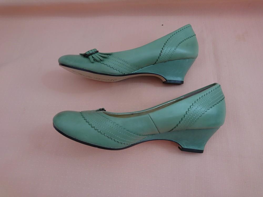 Туфли зелёные на маленьком каблуке размер 38 фото №8