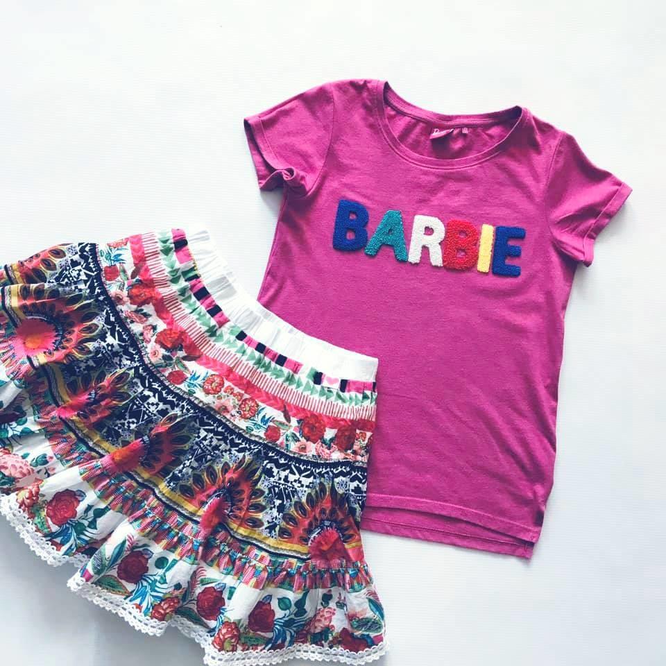Стильная next футболка barbie с объемными мягкими буквами на р140/146 фото №10
