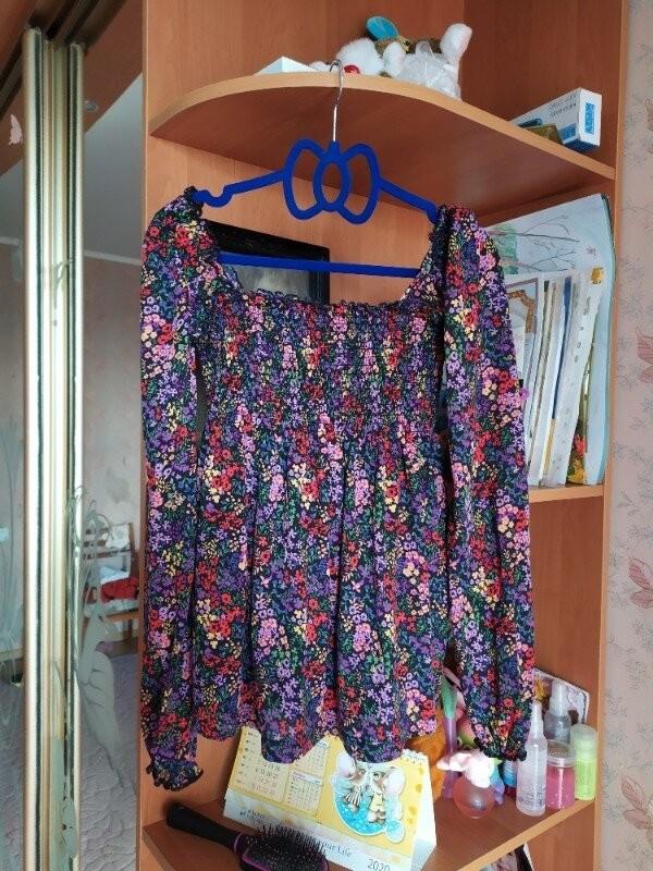 Продам красивую трикотажную блузка фирмы terranova размер s фото №1