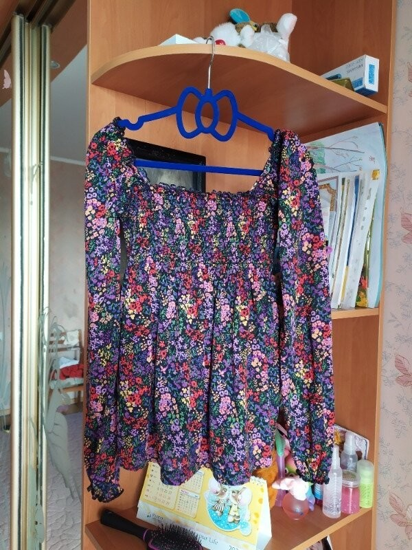 Продам красивую трикотажную блузка фирмы terranova размер s фото №3