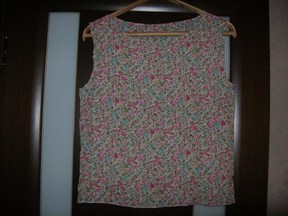 Продам красивую шифоновую блузочку в цветочки 12р фото №1