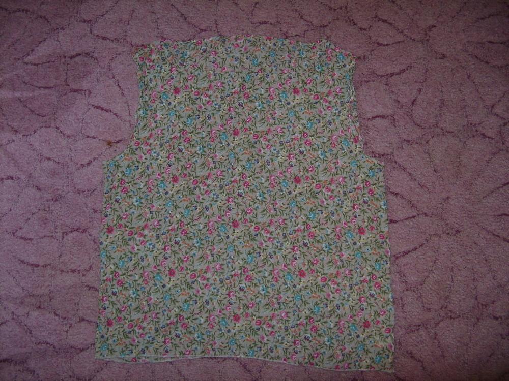 Продам красивую шифоновую блузочку в цветочки 12р фото №2