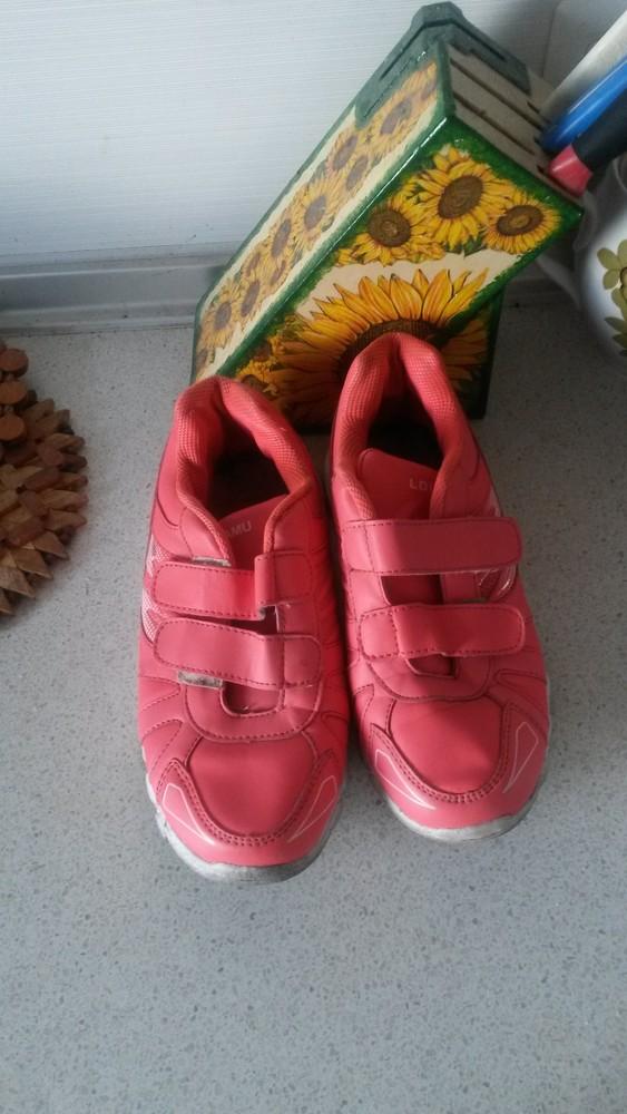 Красивые фирменные кроссовочки на девочку р.35 фото №1