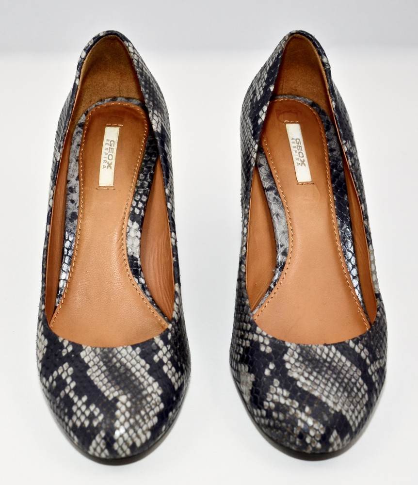 Б/у фирменная обувь в идеальном состоянии. размер 36 фото №1