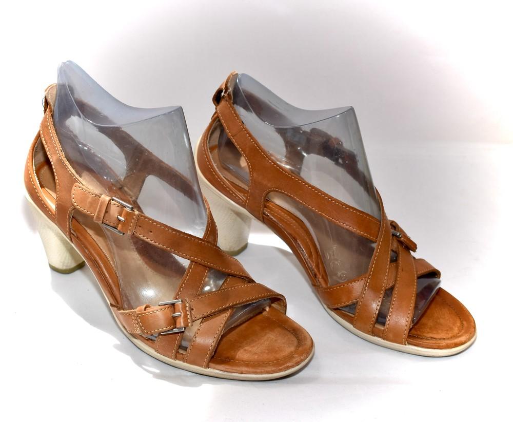 Б/у фирменная обувь в идеальном состоянии. размер 36 фото №7