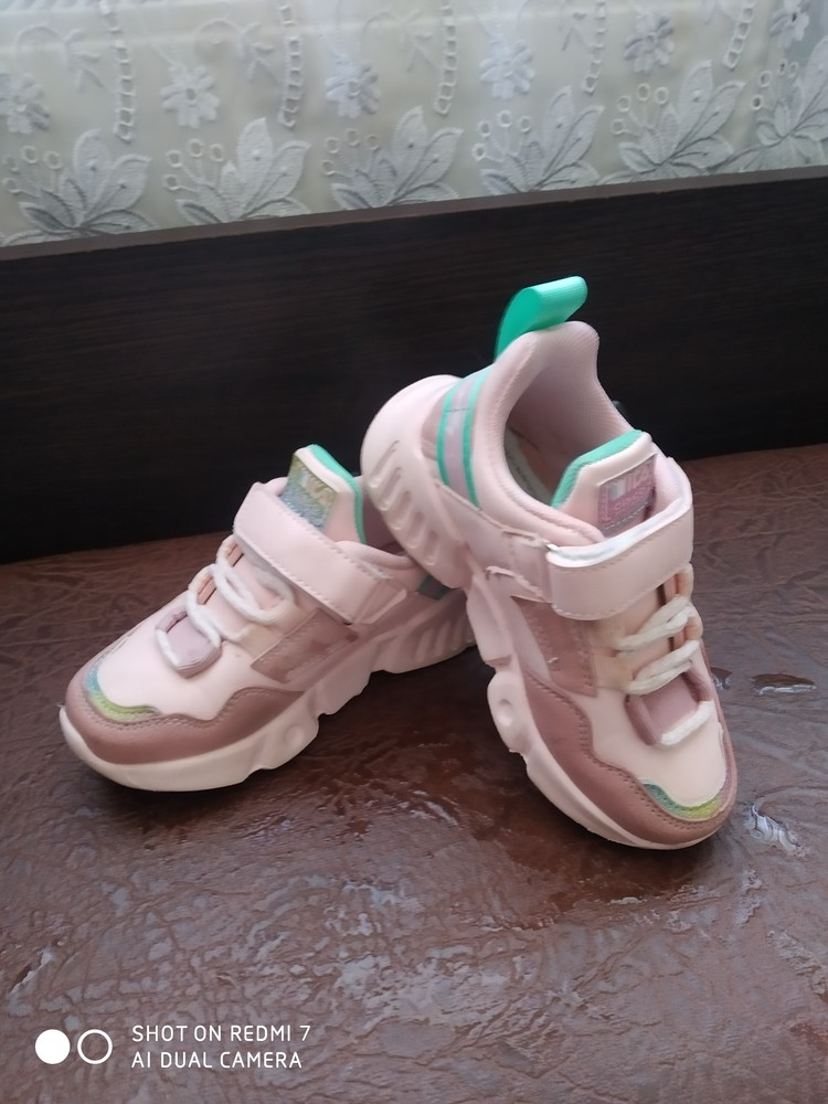 Кросівки фото №2