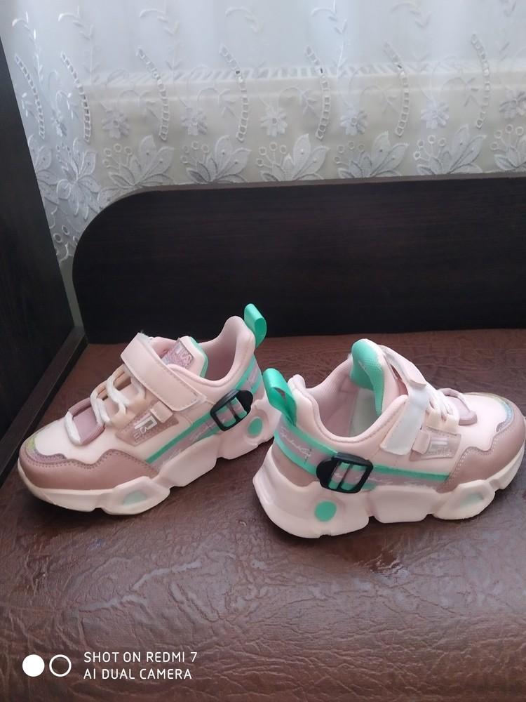 Кросівки фото №3