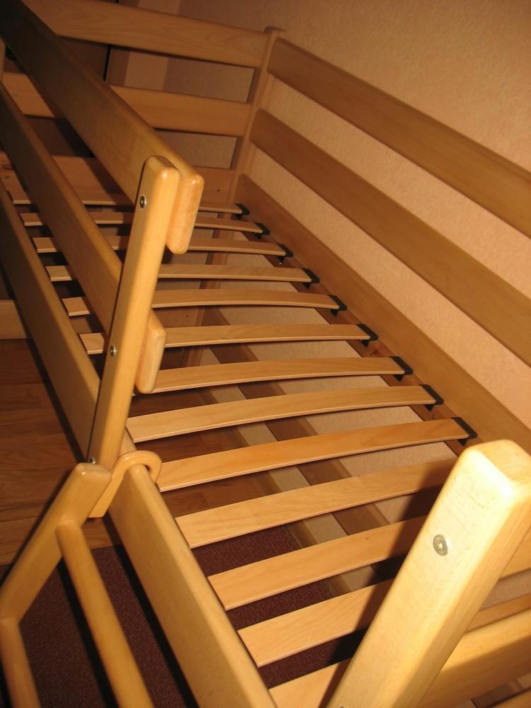 Продам кровать-чердак вместе с матрасом, изготовленные фирмой «ирель», б/у. фото №3