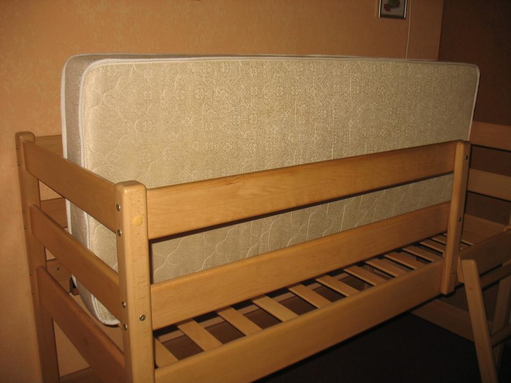 Продам кровать-чердак вместе с матрасом, изготовленные фирмой «ирель», б/у. фото №8